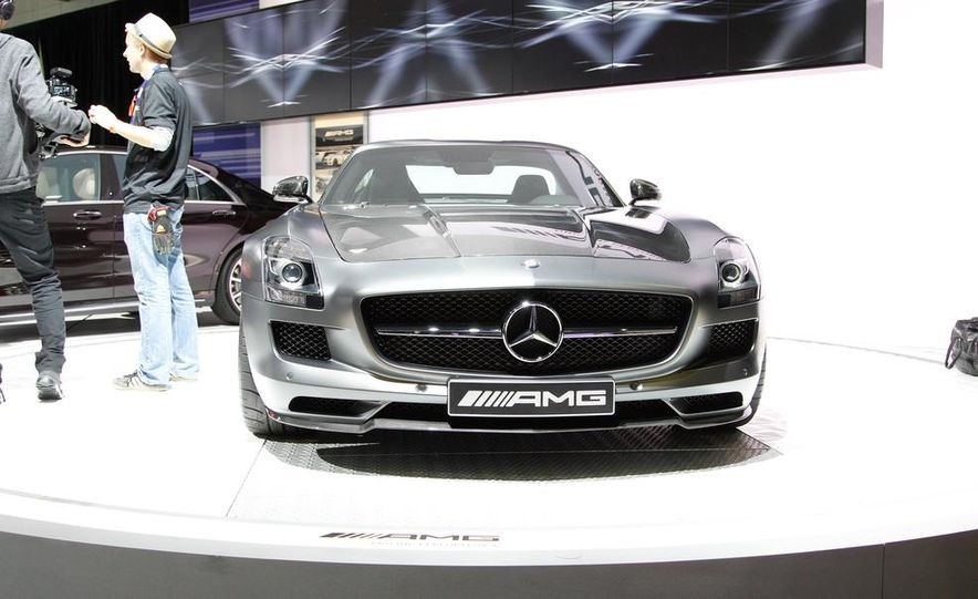 2015 Mercedes-Benz SLS AMG GT Final Edition - Slide 2