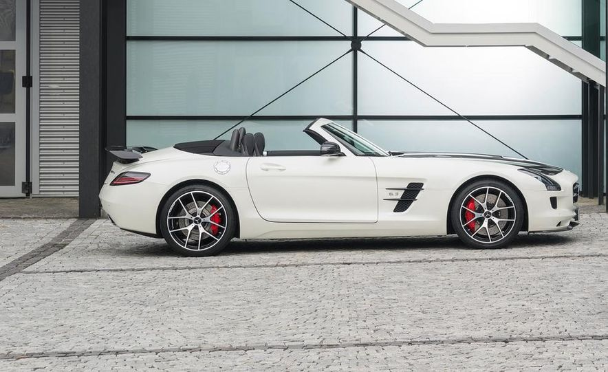 2015 Mercedes-Benz SLS AMG GT Final Edition - Slide 17