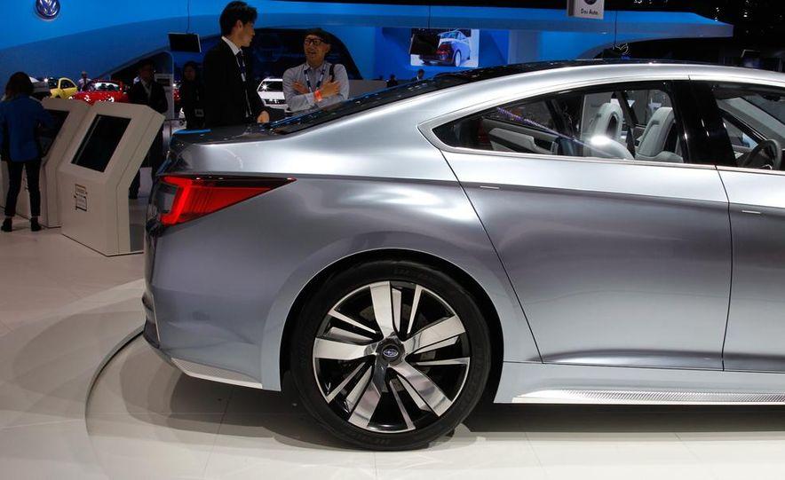 Subaru Legacy concept - Slide 13