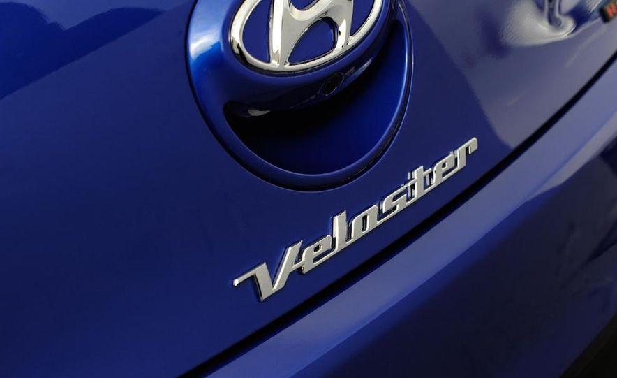 2014 Hyundai Veloster Turbo R-spec - Slide 26