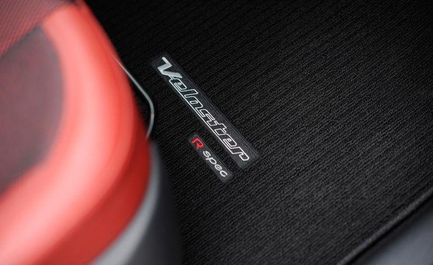 2014 Hyundai Veloster Turbo R-spec - Slide 38