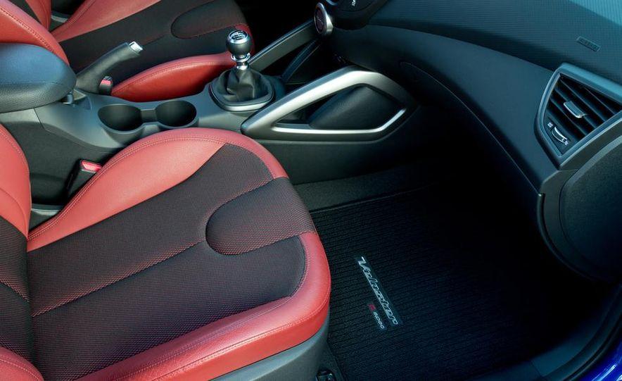 2014 Hyundai Veloster Turbo R-spec - Slide 33