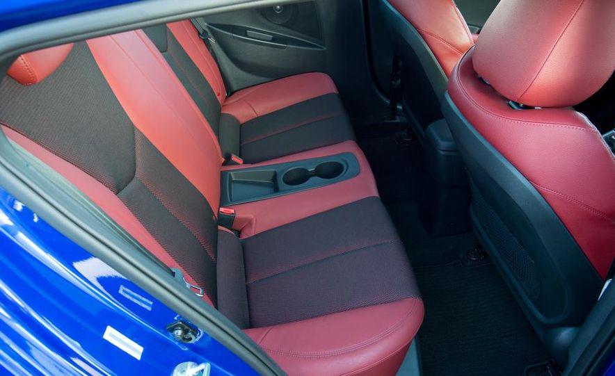 2014 Hyundai Veloster Turbo R-spec - Slide 34