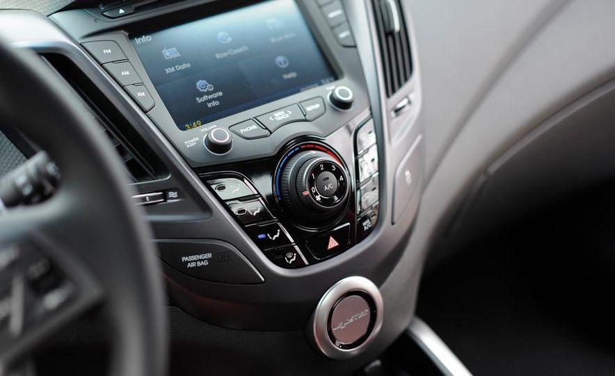 2014 Hyundai Veloster Turbo R-spec - Slide 36