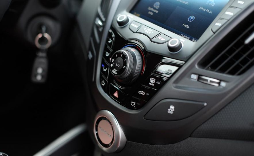 2014 Hyundai Veloster Turbo R-spec - Slide 37