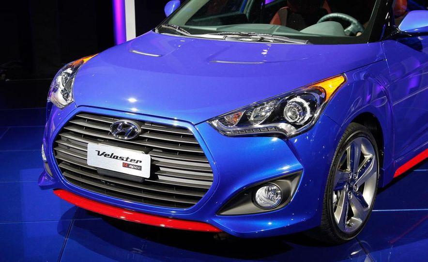 2014 Hyundai Veloster Turbo R-spec - Slide 12