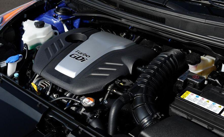 2014 Hyundai Veloster Turbo R-spec - Slide 41