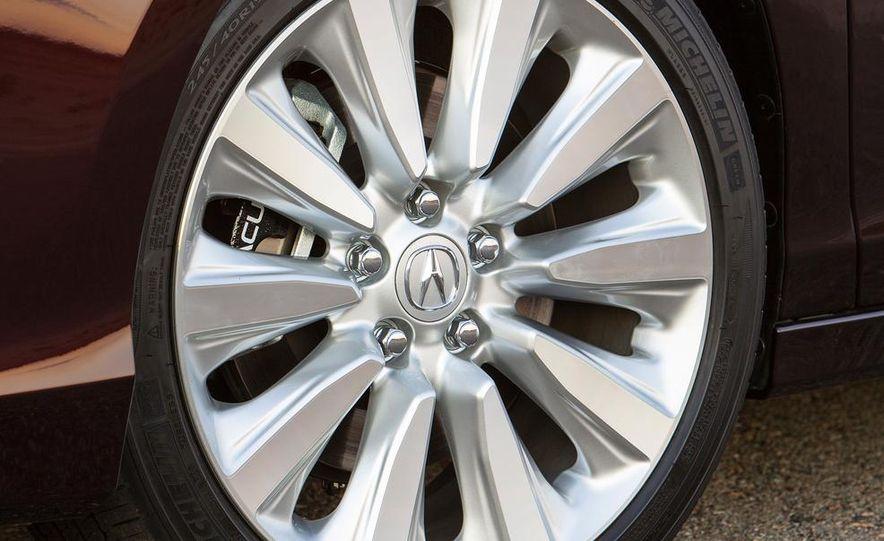 2014 Acura RLX Sport SH-AWD hybrid - Slide 17