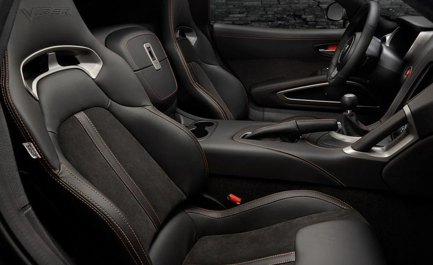 2014 SRT Viper Anodized Carbon Special Edition Package - Slide 6