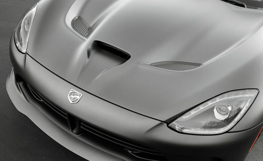 2014 SRT Viper Anodized Carbon Special Edition Package - Slide 3