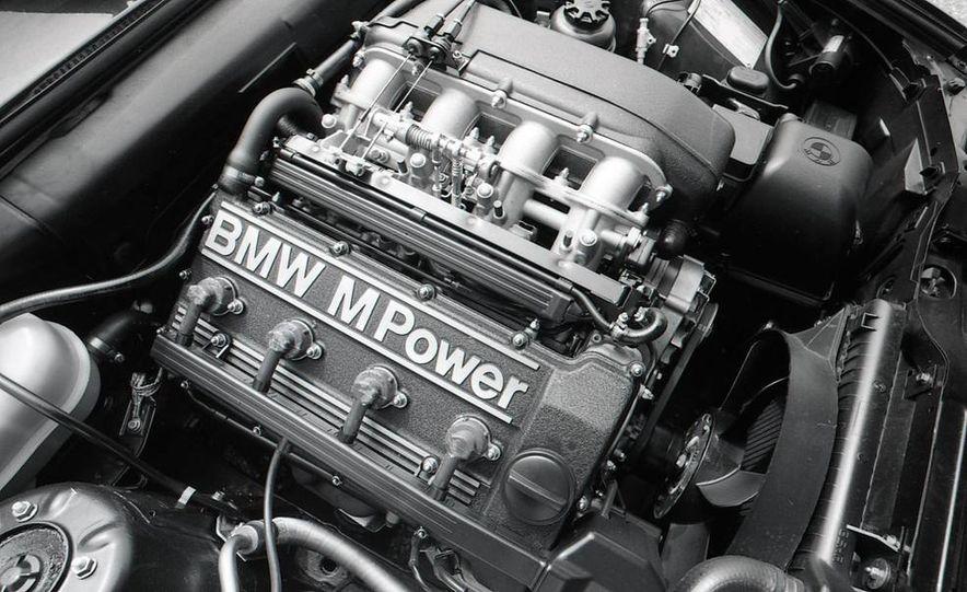 2012 Aston Martin DBS Carbon Black Edition - Slide 12