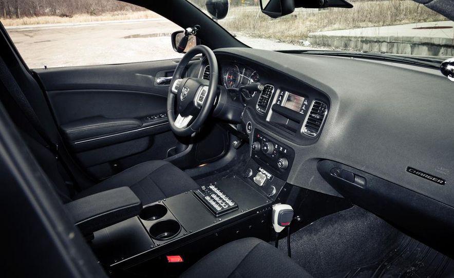 2012 Aston Martin DBS Carbon Black Edition - Slide 36