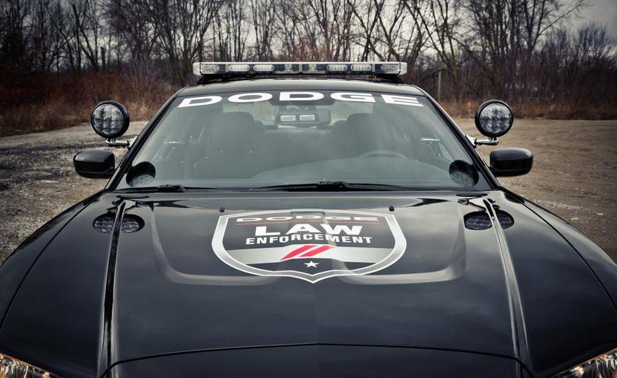 2012 Aston Martin DBS Carbon Black Edition - Slide 35