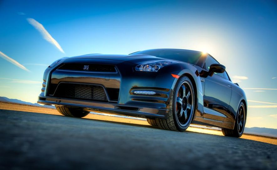 2012 Aston Martin DBS Carbon Black Edition - Slide 59