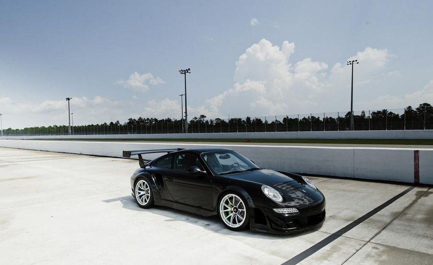 2012 Aston Martin DBS Carbon Black Edition - Slide 27