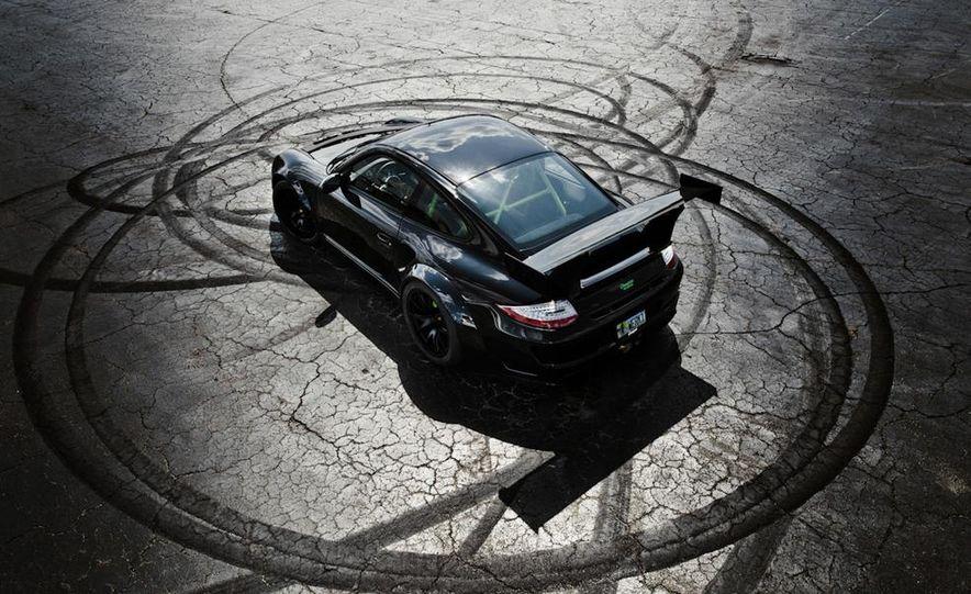 2012 Aston Martin DBS Carbon Black Edition - Slide 28
