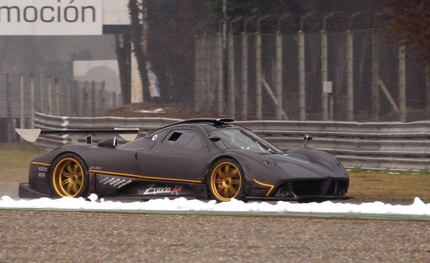 2012 Aston Martin DBS Carbon Black Edition - Slide 78