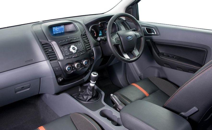 Ford Ranger Wildtrak 3.2 TDCi 4x4 - Slide 10