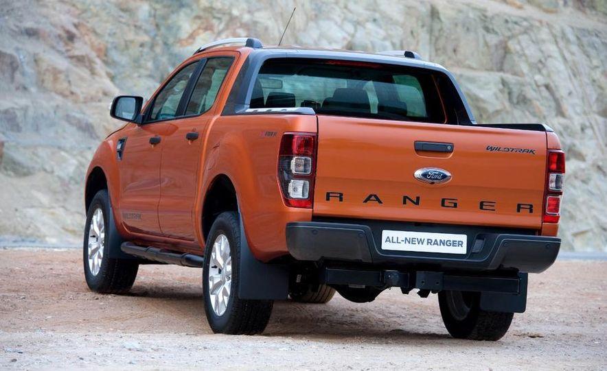 Ford Ranger Wildtrak 3.2 TDCi 4x4 - Slide 7