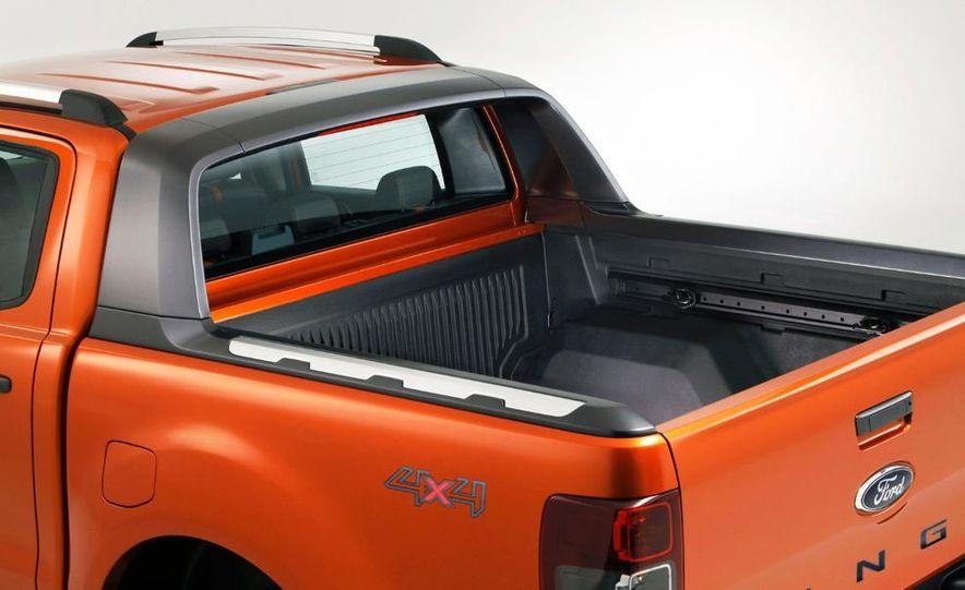 Ford Ranger Wildtrak 3.2 TDCi 4x4 - Slide 9