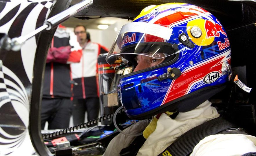 Porsche LMP1 race car - Slide 9