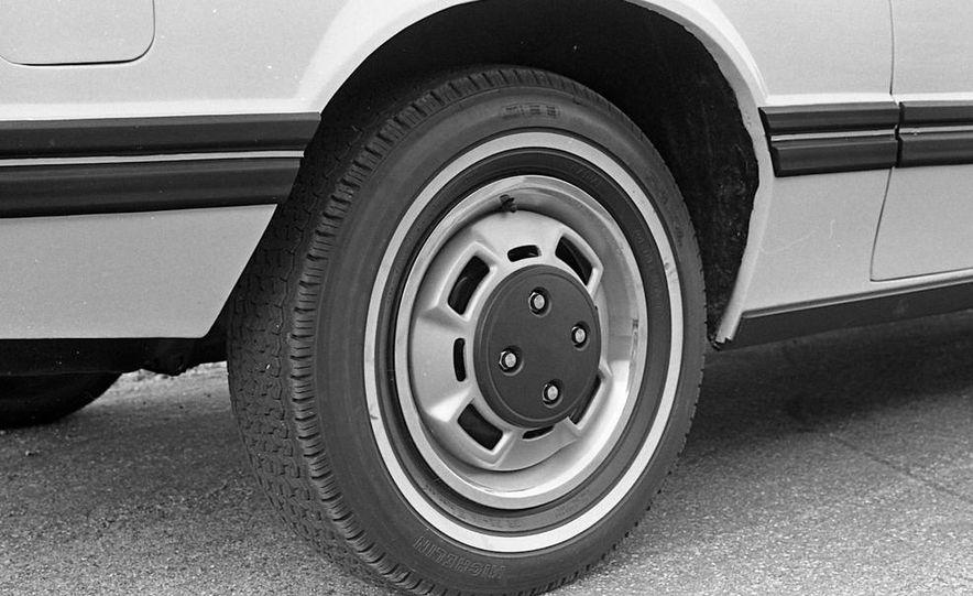 1979 Ford Mustang - Slide 9