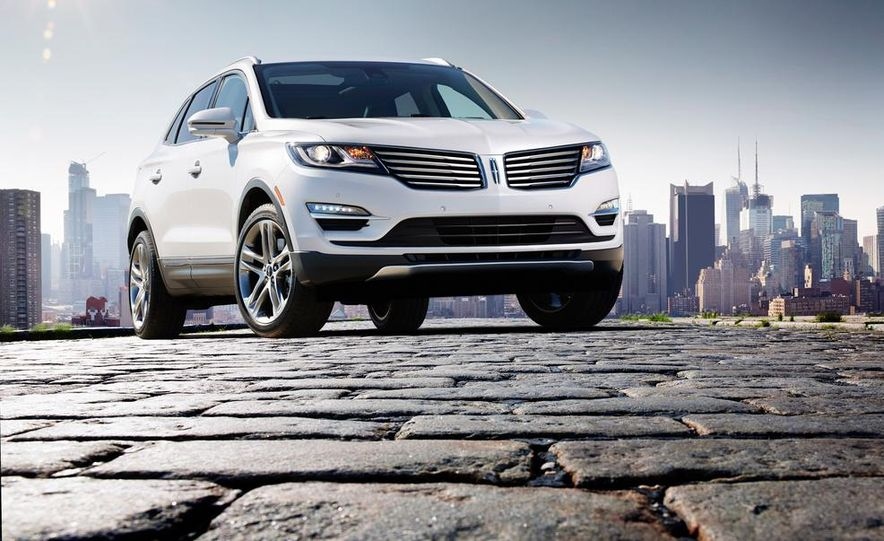 2015 Lincoln MKC 2.3L EcoBoost AWD - Slide 3