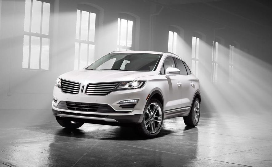 2015 Lincoln MKC 2.3L EcoBoost AWD - Slide 4