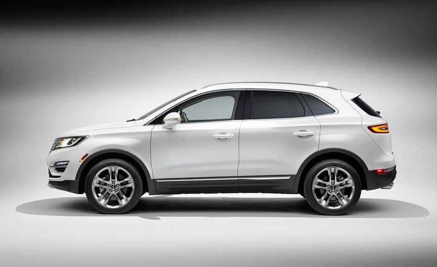2015 Lincoln MKC 2.3L EcoBoost AWD - Slide 9