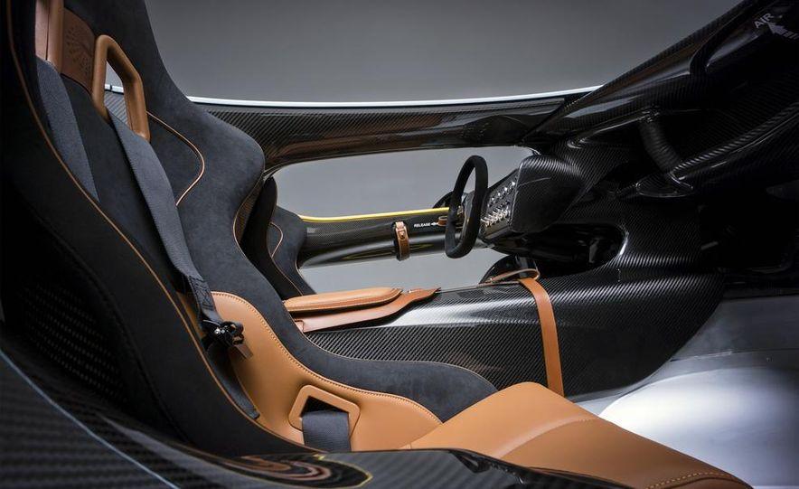 Aston Martin CC100 Speedster concept - Slide 14