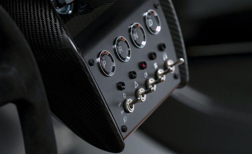 Aston Martin CC100 Speedster concept - Slide 15