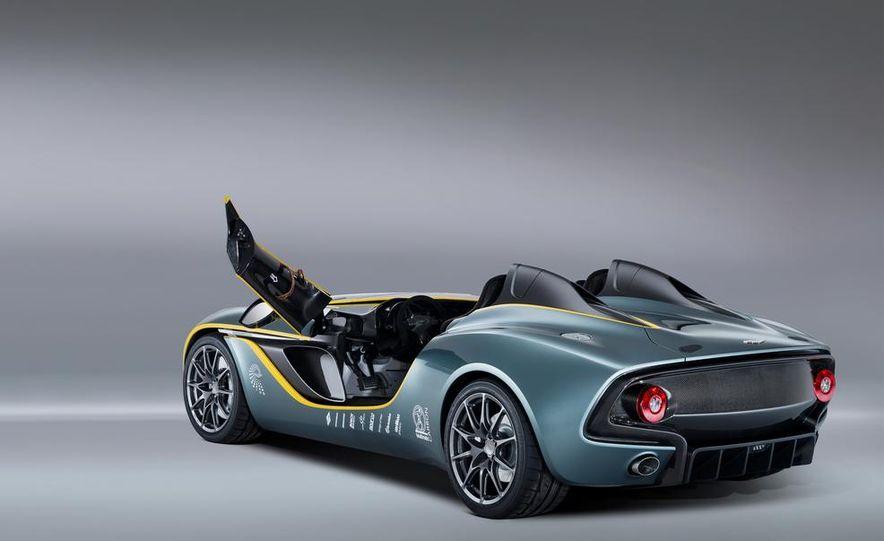 Aston Martin CC100 Speedster concept - Slide 6