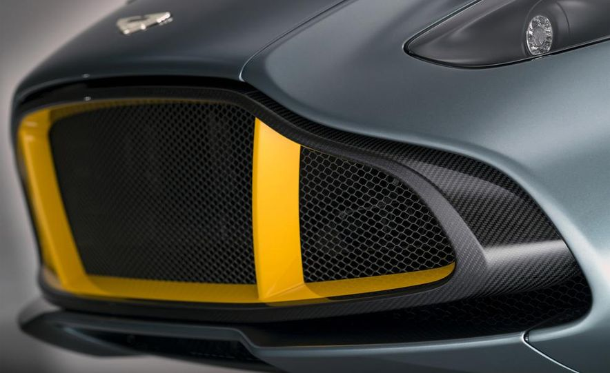 Aston Martin CC100 Speedster concept - Slide 7