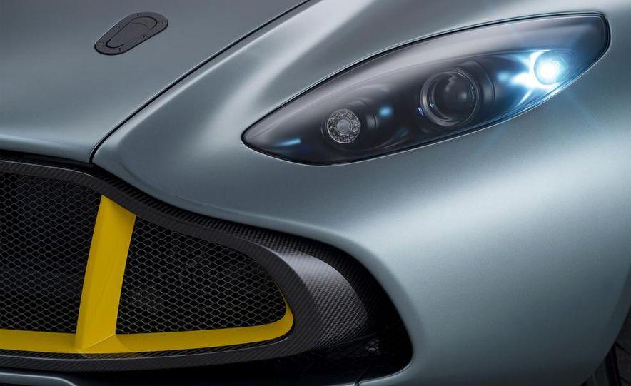 Aston Martin CC100 Speedster concept - Slide 8