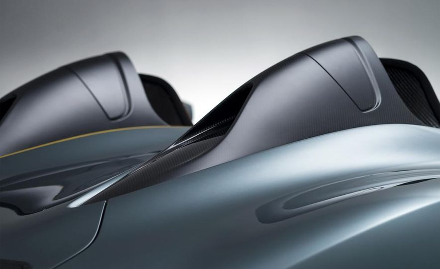 Aston Martin CC100 Speedster concept - Slide 10