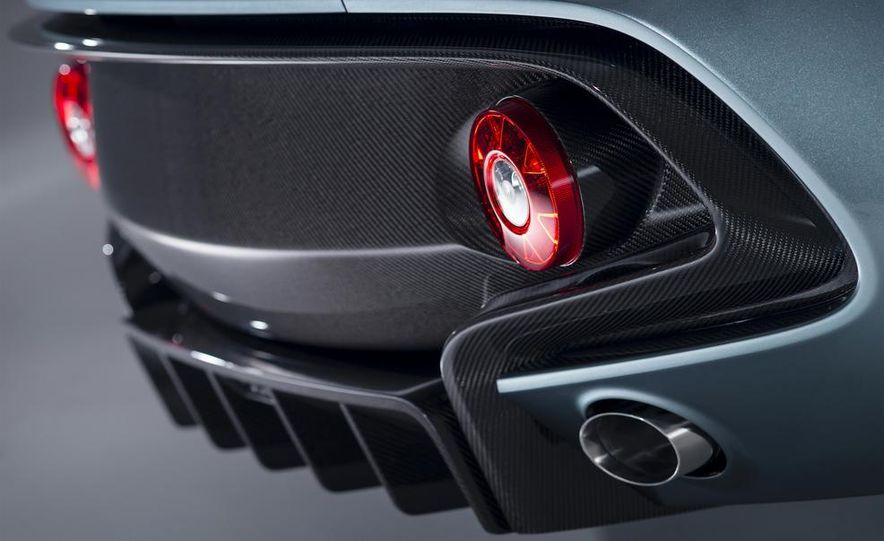 Aston Martin CC100 Speedster concept - Slide 11