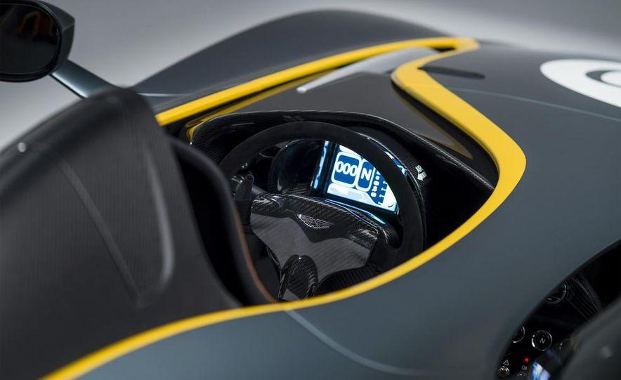 Aston Martin CC100 Speedster concept - Slide 13