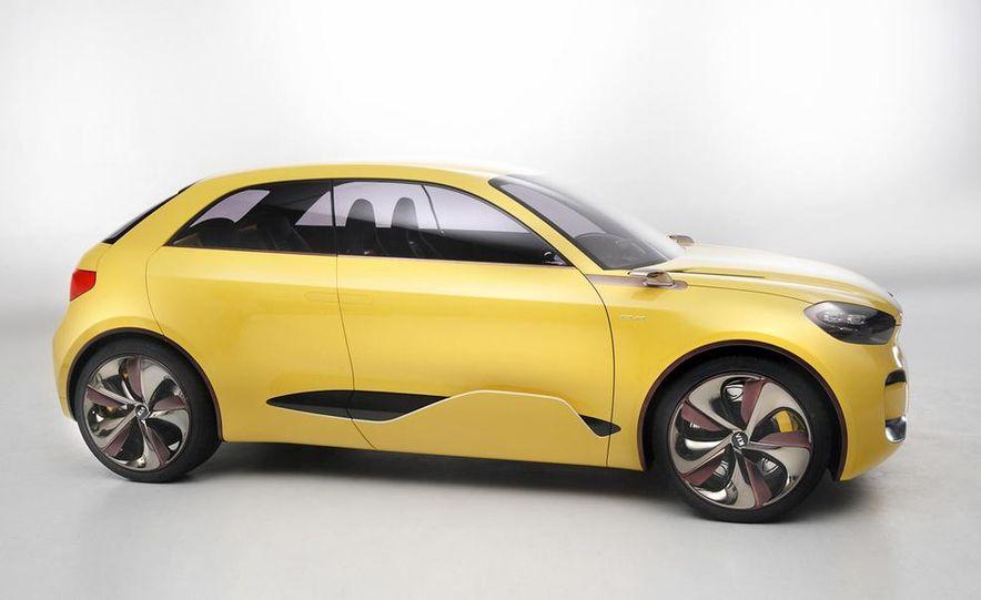 Aston Martin CC100 Speedster concept - Slide 82