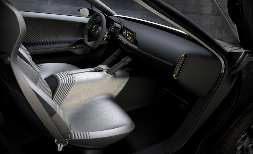 Aston Martin CC100 Speedster concept - Slide 89