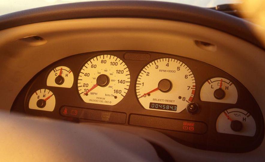 1999 Ford Mustang SVT Cobra - Slide 6