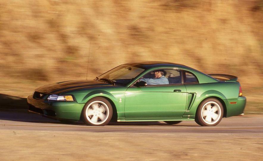 1999 Ford Mustang SVT Cobra - Slide 2