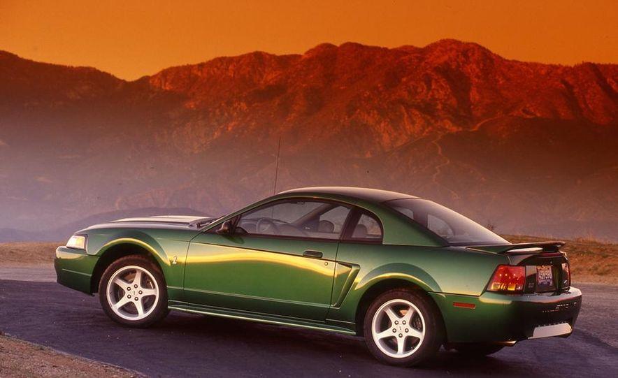1999 Ford Mustang SVT Cobra - Slide 3