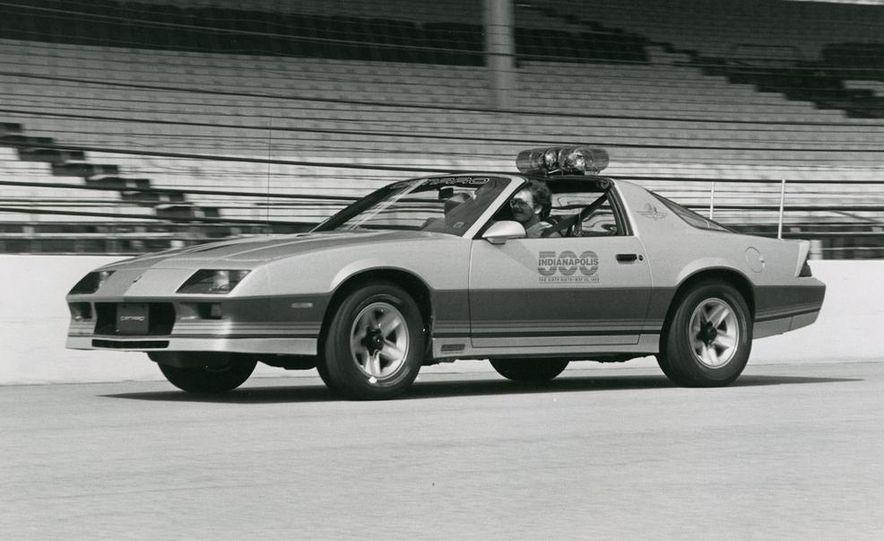 1982 Porsche 928, Chevrolet Camaro Z28, Pontiac Firebird Trans Am, Ford Mustang GT - Slide 17