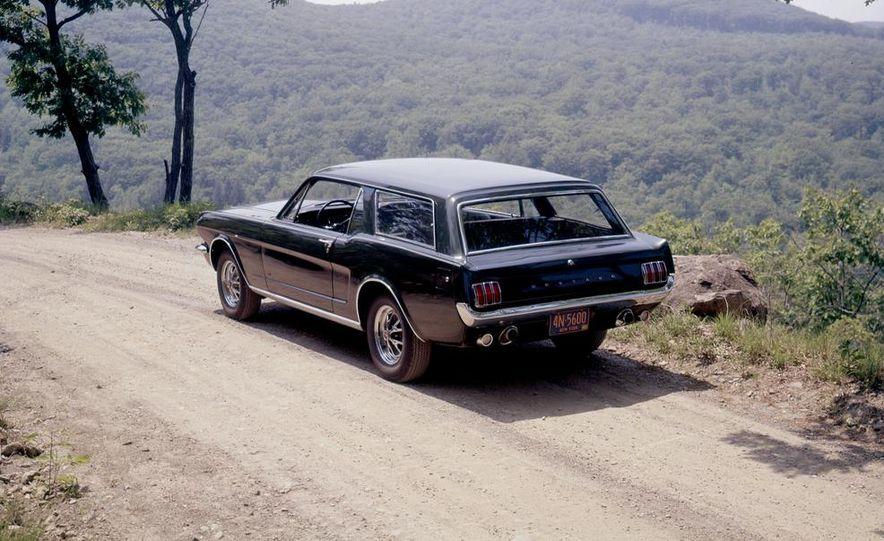 Ford Mustang Wagon - Slide 3