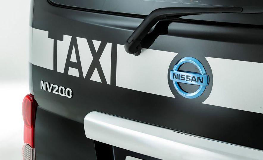 Nissan NV200 1.6L taxi for London - Slide 12
