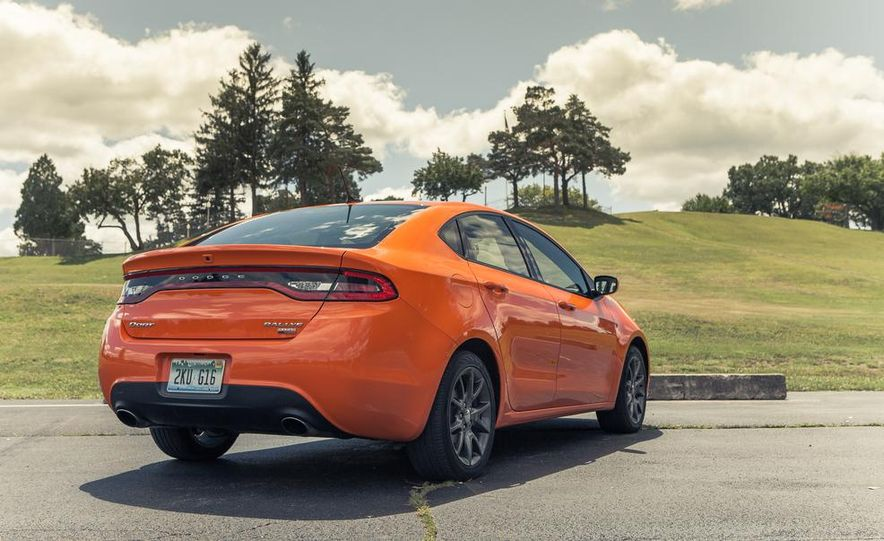 2014 Dodge Dart Blacktop - Slide 21