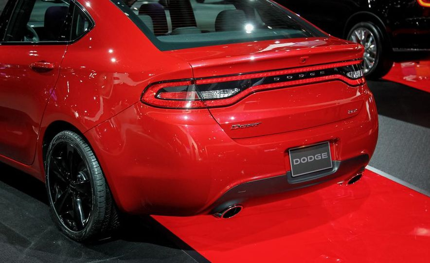 2014 Dodge Dart Blacktop - Slide 9