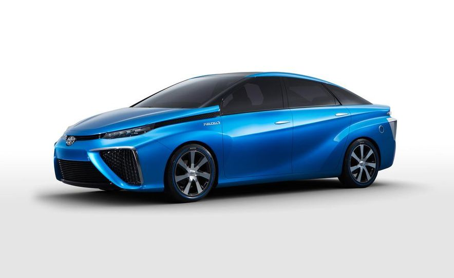 Toyota Fuel Cell Vehicle concept - Slide 1
