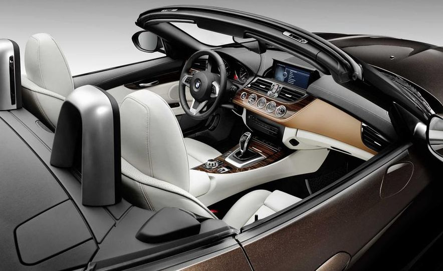 2014 BMW Z4 sDrive35i Pure Fusion Design - Slide 14