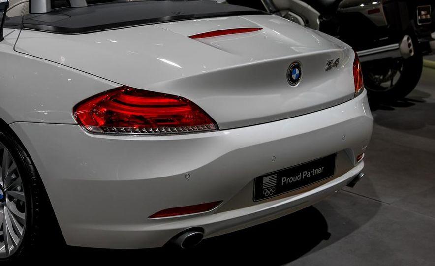 2014 BMW Z4 sDrive35i Pure Fusion Design - Slide 9